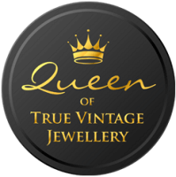 #QueenOf True Vintage Jewellery Queenie's Bazaar - The Royal Connection winners badge.
