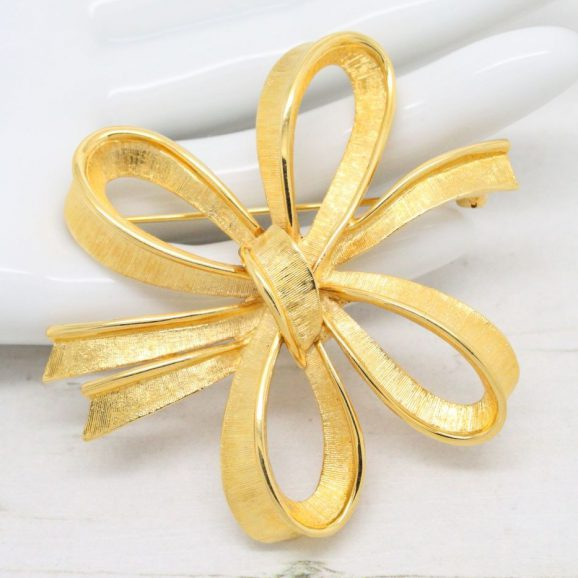 Vintage 1980s Monet Gold Plated Stylised Bow Brooch