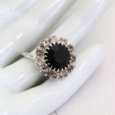1960s Vogue Sarah Coventry Black Rhinestone Ring