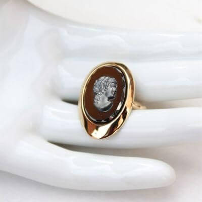 Sarah Coventry Evening Profile Hematite Goldtone Vintage Ring
