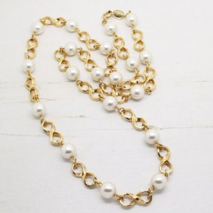 Vintage Signed Napier Gold Plated Double Loop Links and Pearl Long Necklace