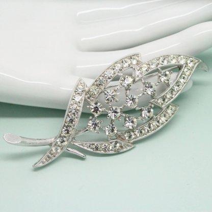1960s Sarah Coventry Enchantress Bridal Brooch Pin