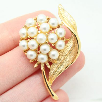 1960s Splendor Pearl Blossom Sarah Coventry Brooch