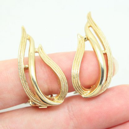 1960s Stunning Modernist Sarah Coventry Clip On Earrings